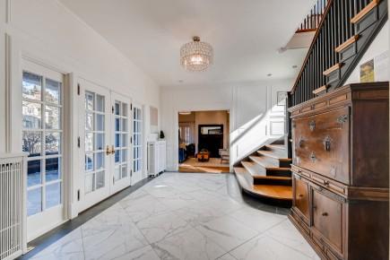 -Roland Park Overhill Residence